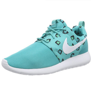 Nike Women's Roshe Run Sneakers