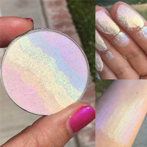 AddictiveCosmetics Rainbow Highlighter