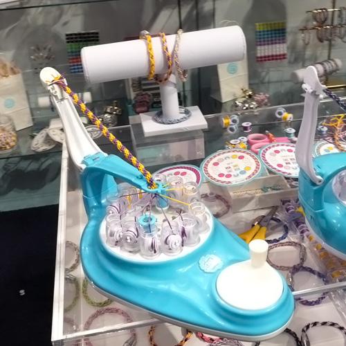 Cool Maker KumiKreator Bracelet Studio