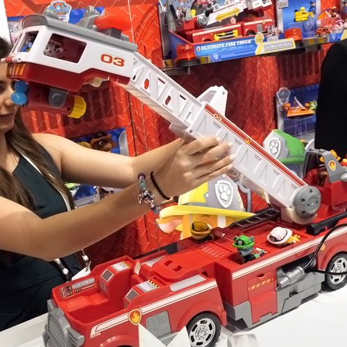Paw Patrol Ultimate Rescue Fire Truck Playset