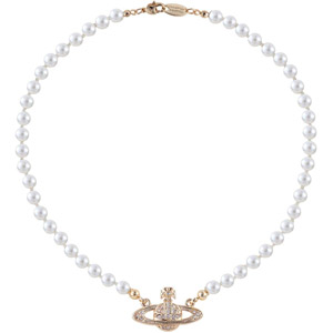 Vivienne Westwood Saturn Pearl Necklace Dupe